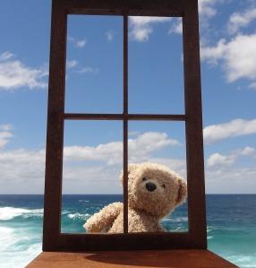 Sbysea_Dwight in window frame