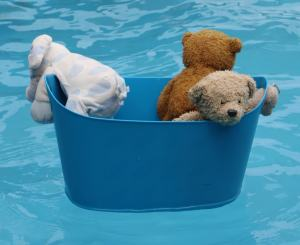 Bucket in pool
